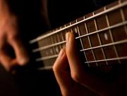 уроки бас гитары