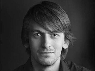 Игорь Яковенко – преподаватель игры на фортепиано и сольфеджио
