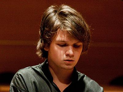 Геннадий Ишкулов – преподаватель по фортепиано и теории музыки