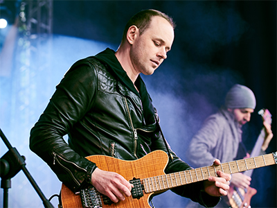 Роман Королёв – преподаватель игры на акустической и электрогитаре. Звукозаписи и сведению
