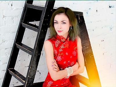 Черкасова Эльмира – преподаватель по современному вокалу